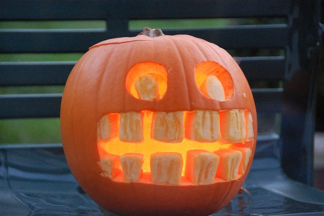 How to Help Your Child's Teeth Survive Halloween
