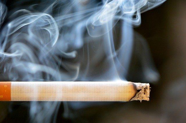 Secondhand Smoke May Make Kids More Cavity-Prone