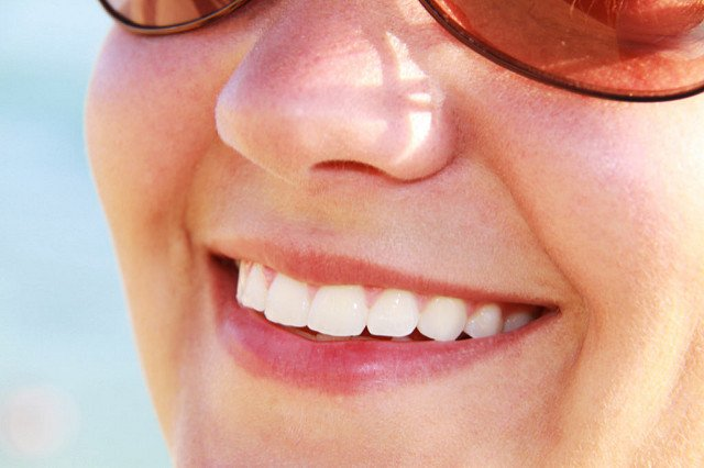 How Oil Pulling Can Help You Keep a Healthy Smile