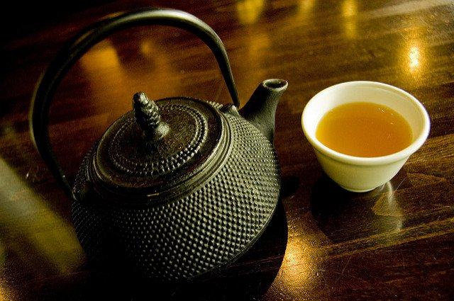 How Tea May Help Your Mouth Stay Healthy
